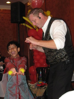 Farmersville birthday magician special ist Kendal Kane entertains  entertains at kids parties.