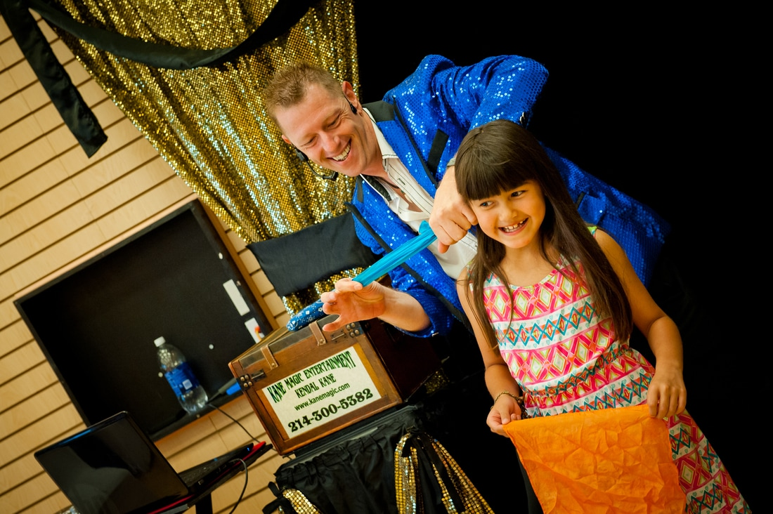 North Richland Hills Kids entertainer Kendal Kane he brings birthday party magic shows to the entire family